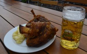Haxe und Bier