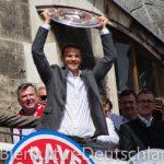 【現地リポート】FCバイエルンミュンヘン市庁舎での優勝イベント【画像】